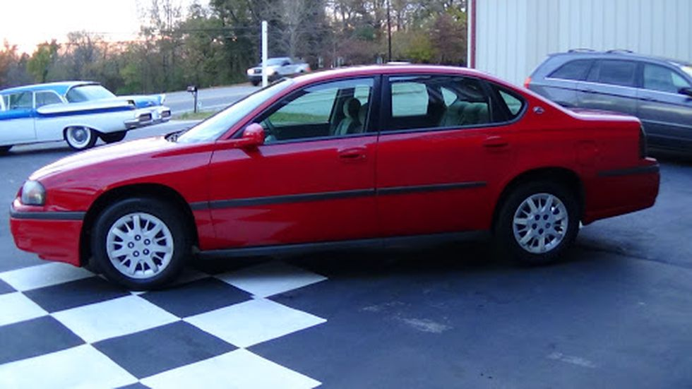This is a similar-looking car, according to deputies.