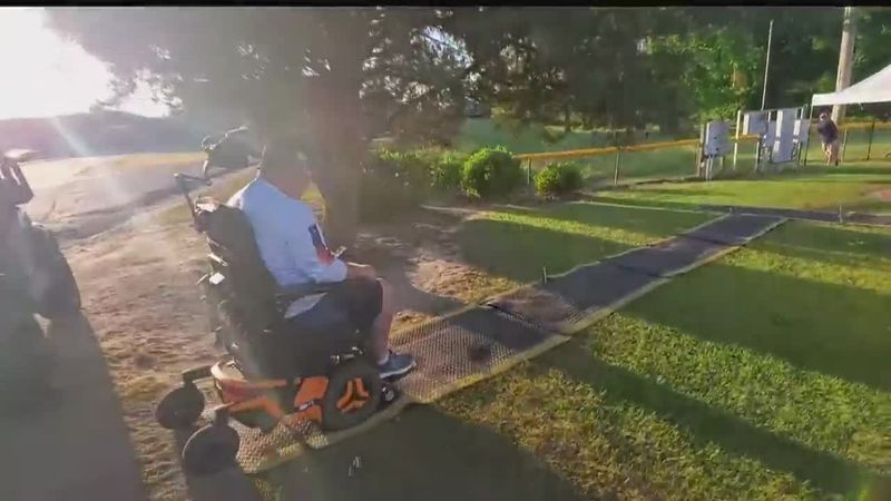 Lack of wheelchair accessibility prompts community to help