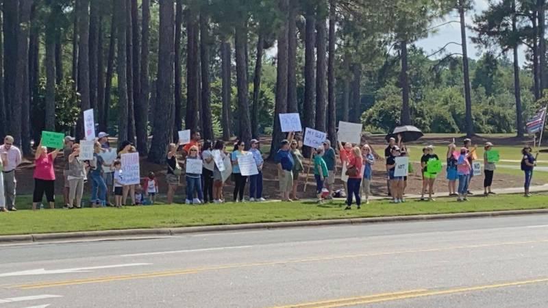 Protest against vaccine mandate at Wayne UNC Health Care.