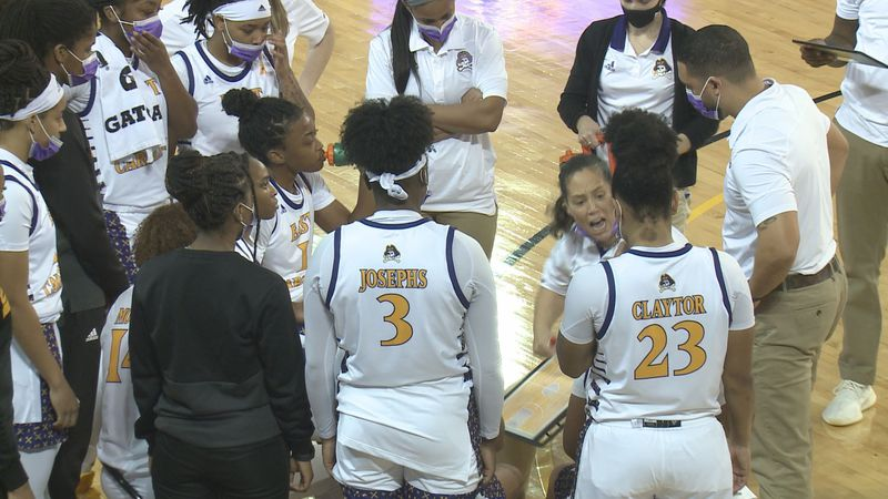ECU WBB vs. Temple