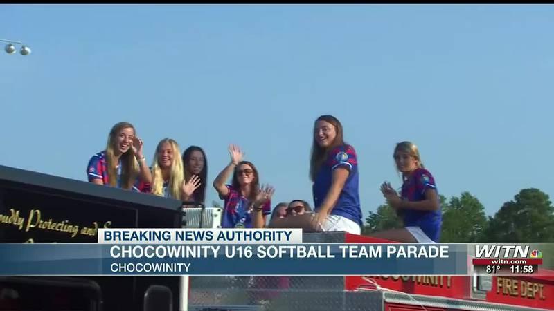 Chocowinity U16 Softball team parade