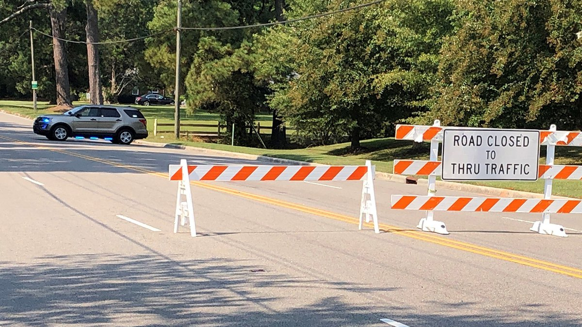 Police asked drivers to avoid the intersection of Arlington Boulevard and Dickinson Avenue.