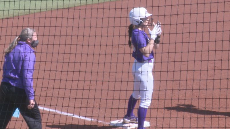 James Madison softball sweeps ECU.
