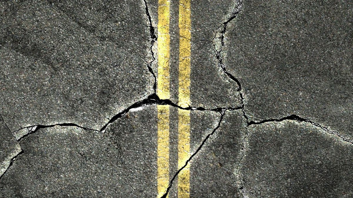 The northbound lanes of US-41 will be closed in Menominee beginning Sunday for emergency road repair work.
