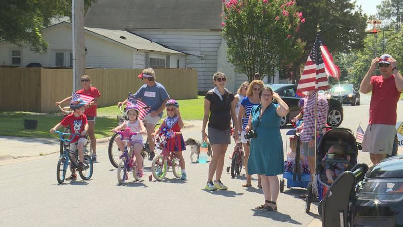 Town hosts parade on Independence Day