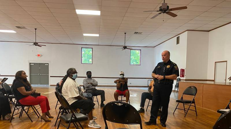New Bern Police Chief holds discussion with Duffyfield community members.