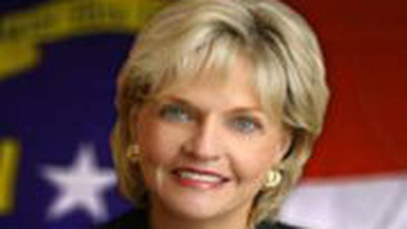 House lawmakers Monday voted to override Gov. Beverly Perdue's veto