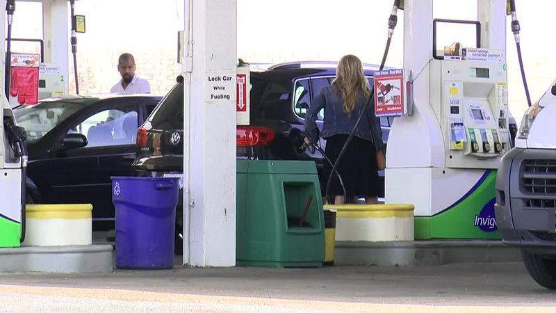 People still making travel plans despite high gas prices