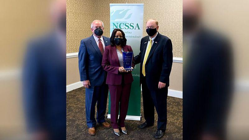 Wayne County assistant superintendent receives leadership award