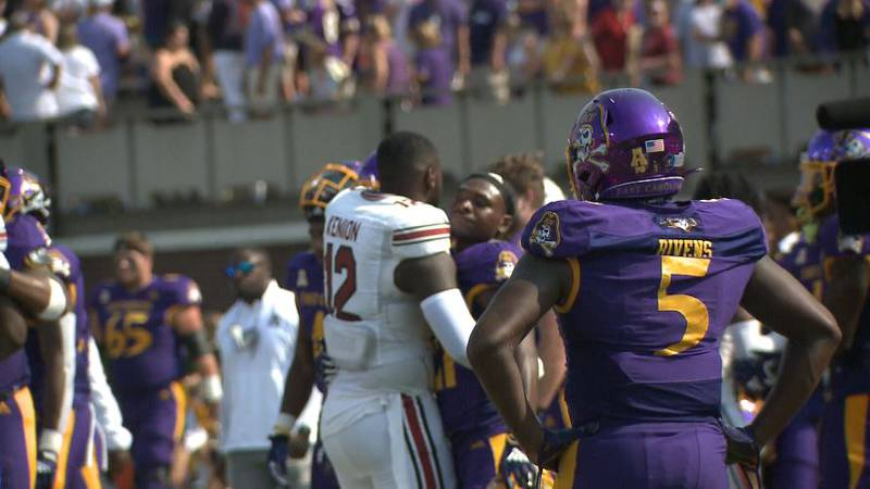ECU football fell to South Carolina on a last second field goal 20-17