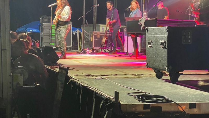 Jo Dee Messina headlined a concert in New Bern.