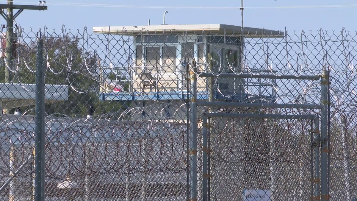 A new warden has been named for this state prison.