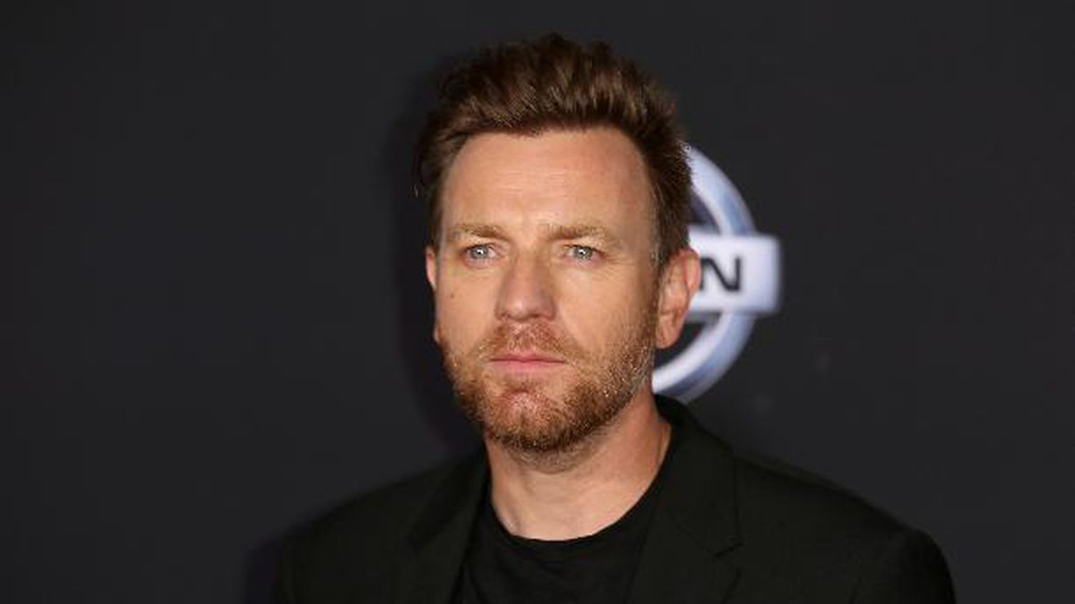 """Ewan McGregor arrives at the World Premiere of Disney's """"Christopher Robin"""" at the Walt Disney Studios on Monday, July 30, 2018, in Burbank, Calif. McGregor will star as Obi-Wan Kenobi in a new series announced Friday for Disney Plus. (Photo by Willy Sanjuan/Invision/AP)"""